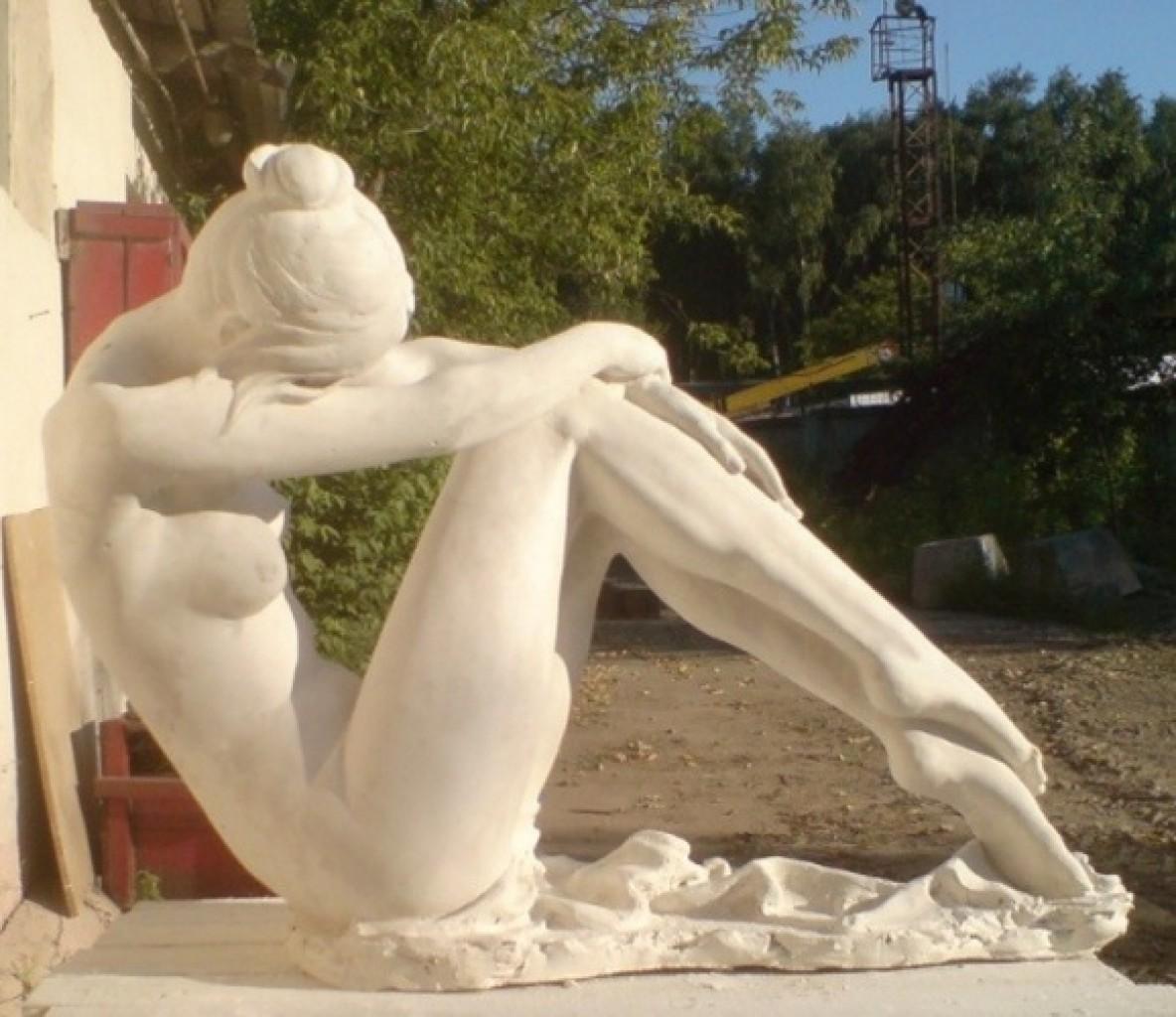 скульптура голая женщина-шл3